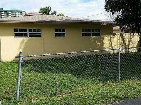 831 - 833 SW 7 Street Pompano Beach, FL 33060