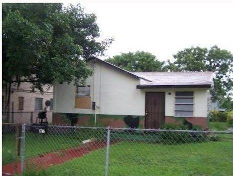 1716 NW 86th Terrace Miami, FL 33147