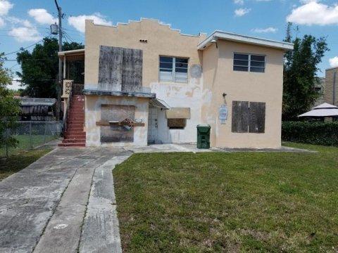 1759 SW 13th St Miami, FL 33145