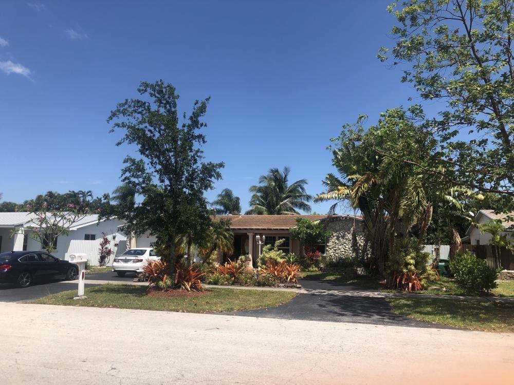 19981 SW 83rd Ave Cutler Bay, FL 33189