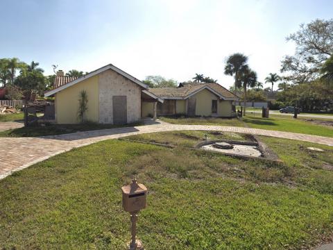 10321 SW 88th Ave Miami, FL 33176