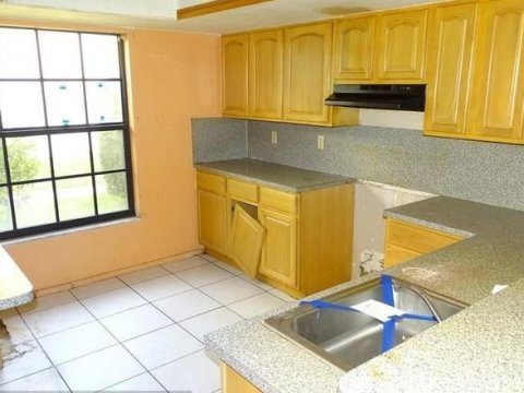 2609 NW 47th Ln #3305 Lauderdale Lakes, FL 33313