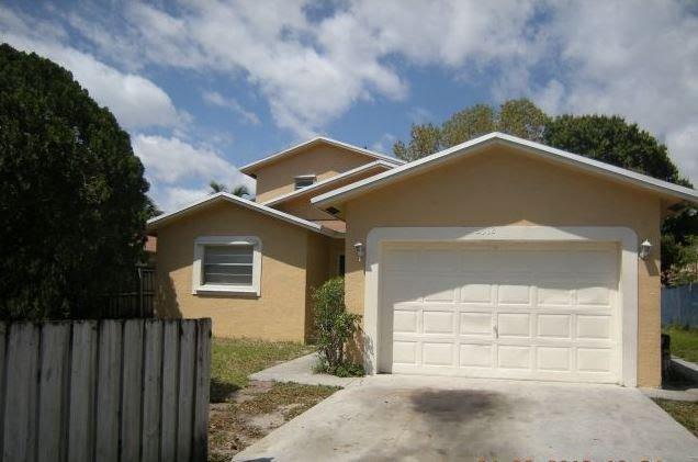 2612 N 24th Ave Hollywood, FL 33020