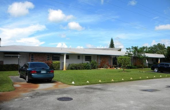 3033 NW 43rd Ave Lauderdale Lakes, FL 33313
