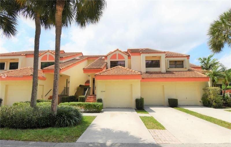 3240 Laurel Oaks Ln Hollywood, FL 33021
