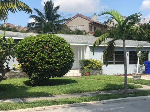 3530 Crystal View Ct Miami, FL 33133