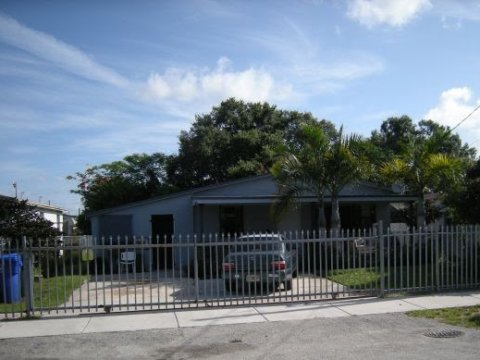 4701 SW 23rd St West Park, FL 33023