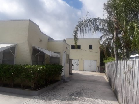 510 Independence Rd West Palm Beach, FL 33405