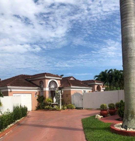 679 NW 124th Ct Miami, FL 33182
