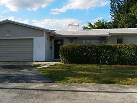 7609 NW 40th Ct Coral Springs, FL 33065