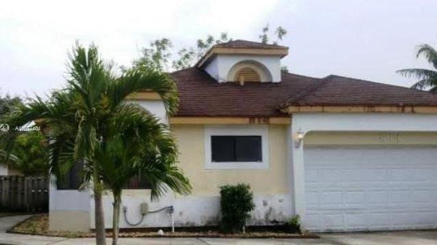 811 W Palm Run Dr North Lauderdale, FL 33068