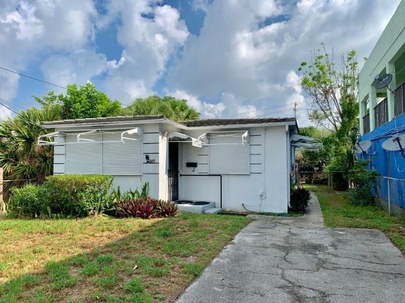 1005 22nd St West Palm Beach, FL 33407