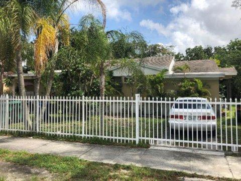 1040 NW 140th Ter,Miami, FL 33168