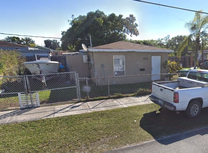 12150 SW 218th St, Miami, FL 33170