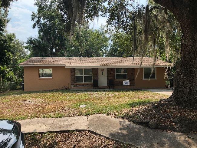1403 Pembrook Dr Leesburg, FL 34748
