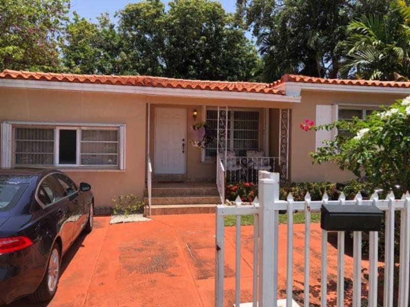 1515 SW 11th St Miami, FL 33135