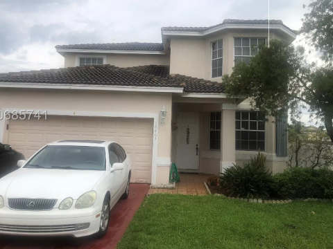 16403 NW 18th St Pembroke Pines, FL 33028