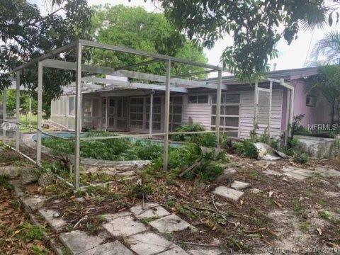 19730 NW 5th Ave Miami, FL 33169