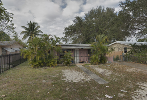 263 NE 165th St Miami, FL 33162