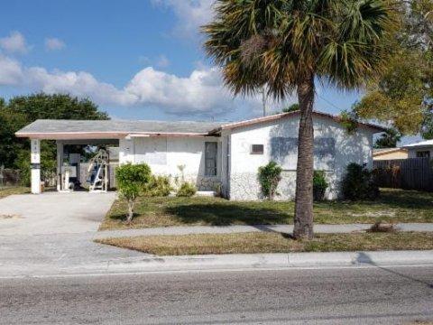 325 Avenue S, Riviera Beach, FL 33404
