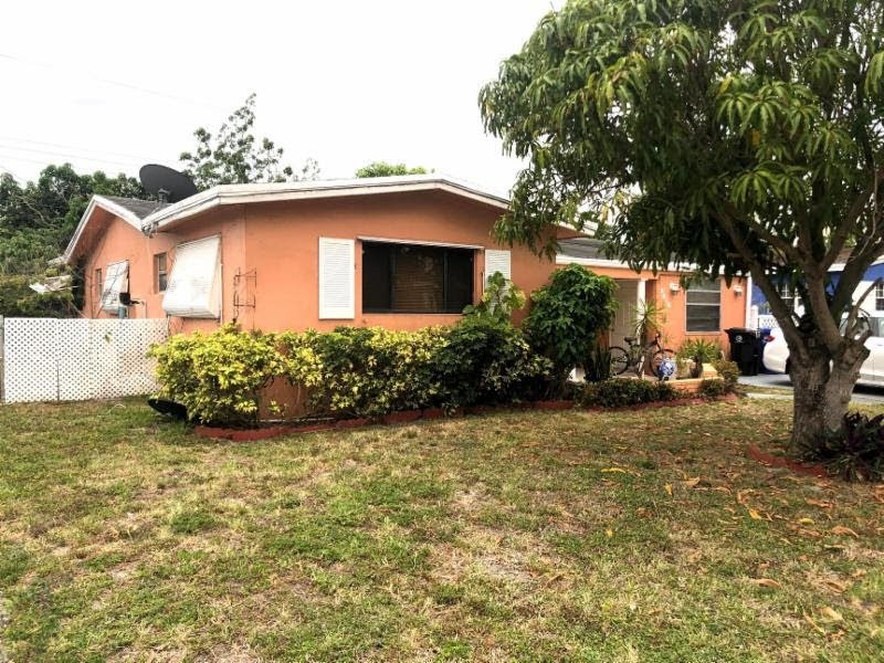 3516 SW 14th St Fort Lauderdale, FL 33312