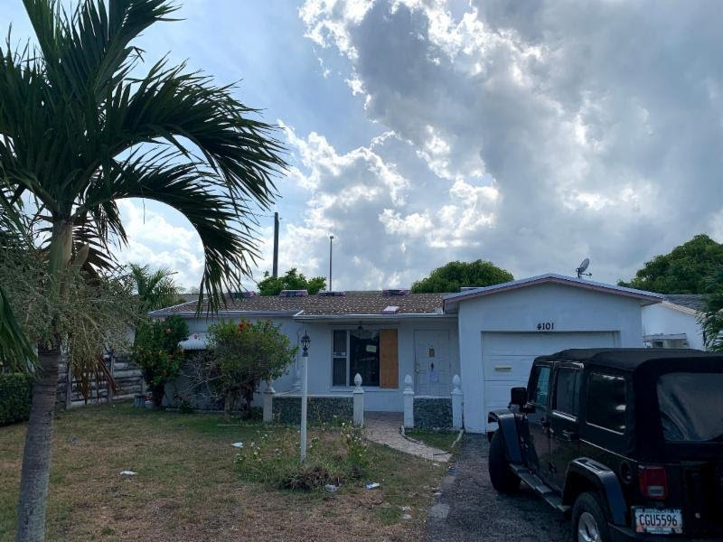 4101 NW 52nd Ave, Lauderdale Lakes, FL 33319