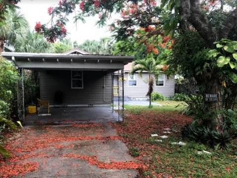 518 S N St Lake Worth, FL 33460