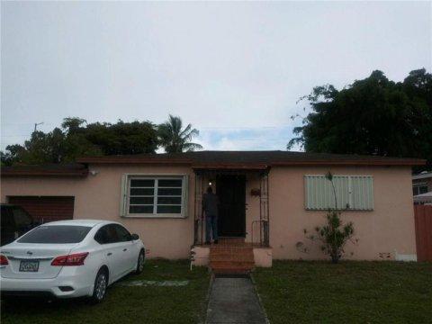 525 NW 134th St North Miami, FL 33168