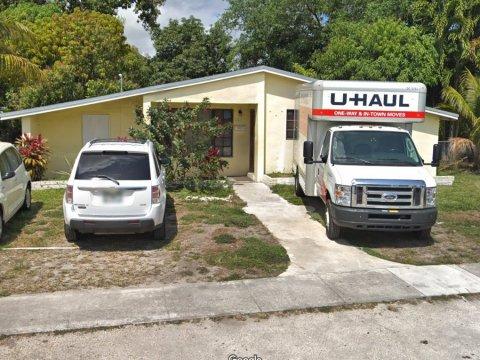 851 NE 158th St North Miami Beach, FL 33162