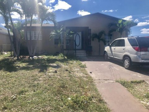 909 Avenue I Riviera Beach, FL 33404