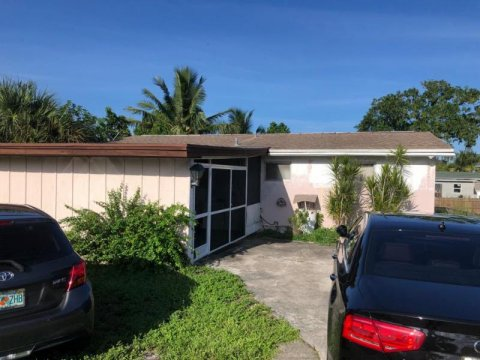 1106 S B St Lake Worth, FL 33460