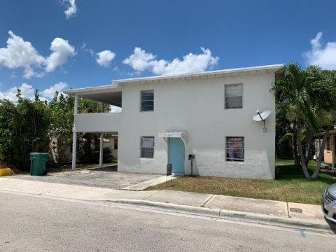 1232 W 35th St, Riviera Beach, FL 33404