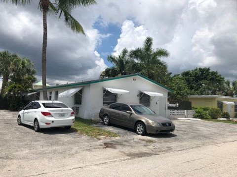 147 E 27th St West Palm Beach, FL 33404