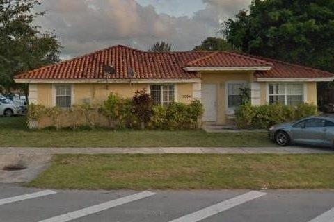20004 SW 122nd Ct Miami, FL 33177