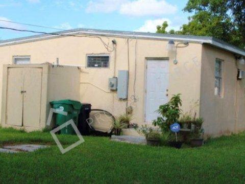 21701 SW 109th Ave Miami, FL 33170