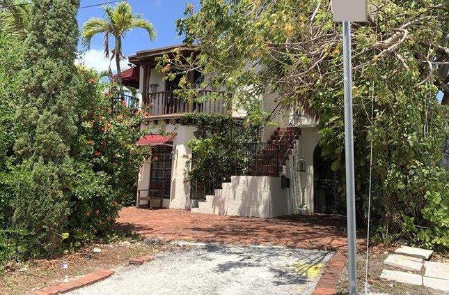 327 W 28th St Miami Beach, FL 33140