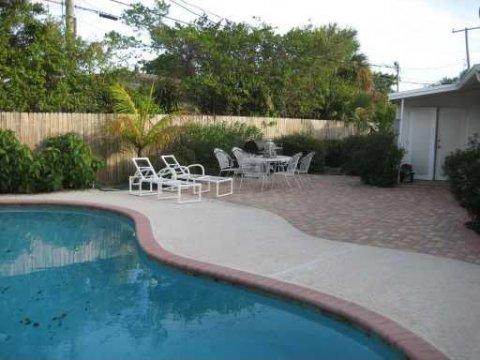 3814 Paseo Navarra West Palm Beach, FL 33405