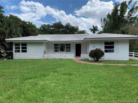 470 NE 121st St Biscayne Park, FL 33161