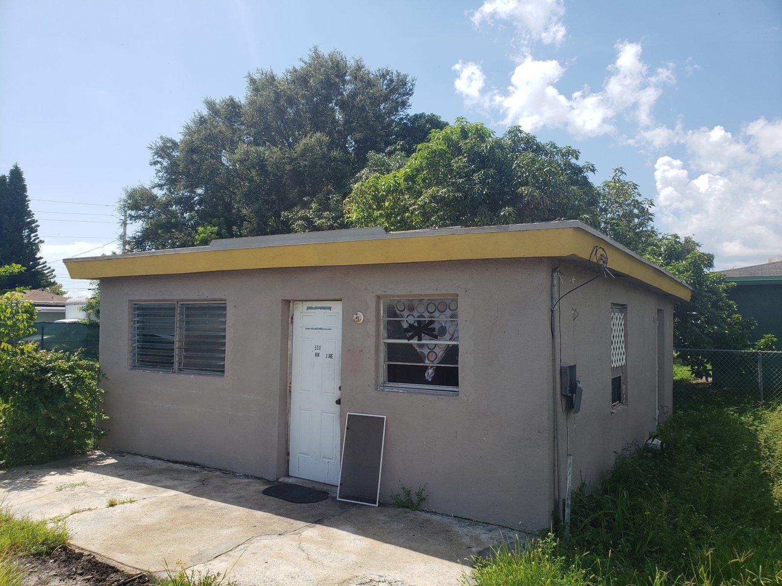 520 NW 3rd Ave, Hallandale Beach, FL 33009