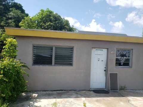 520 NW 3rd Ave, Hallandale Beach, FL 33009