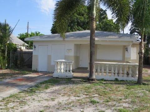 611 47th St West Palm Beach, FL 33407