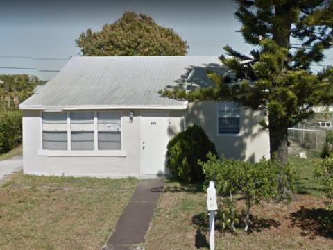 632 W 3rd St West Palm Beach, FL 33404
