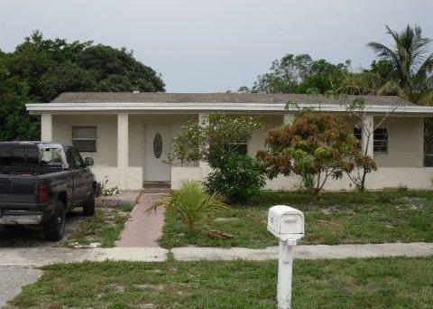 640 SW 10th Ct Deerfield Beach, FL 33441
