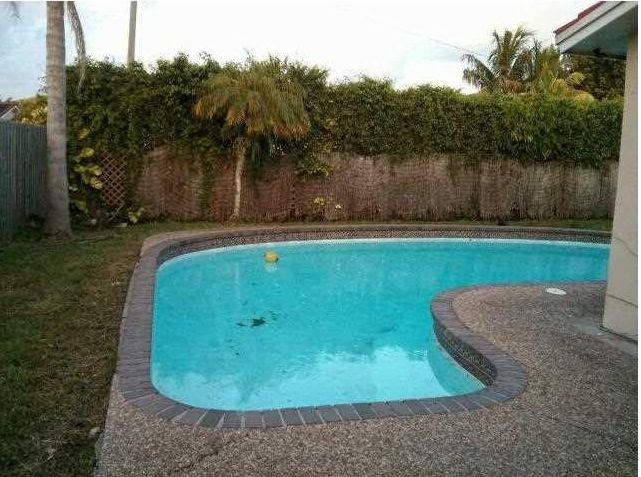 7709 NW 39th Ct Coral Springs, FL 33065