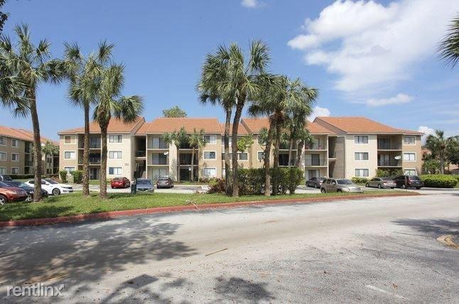 9044 W Atlantic Blvd APT 321 Coral Springs, FL 33071