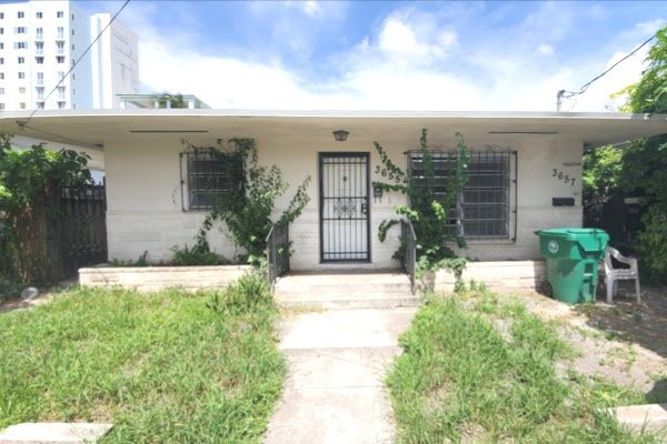 Super 3655 Nw 22Nd Ct Miami Fl 33142 Usa Miami Wholesale Homes Home Interior And Landscaping Palasignezvosmurscom