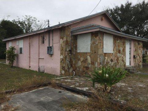 1021 W 33rd St, Riviera Beach, FL 33404