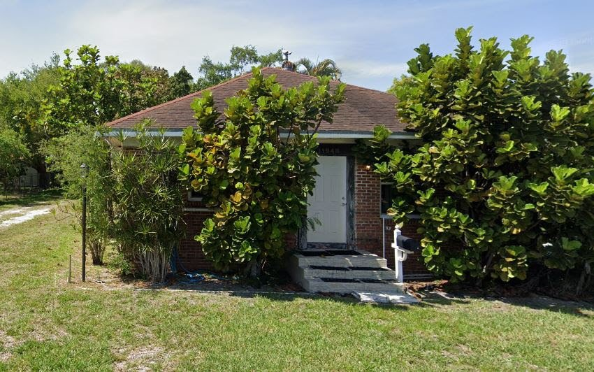 11948 NE 9th Ave Biscayne Park, FL 33161