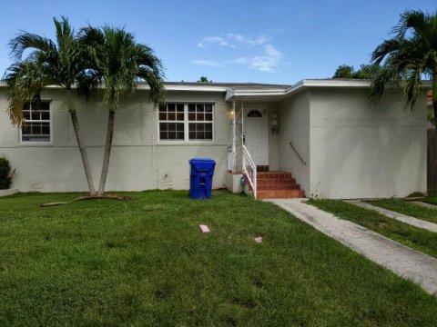 1920 SW 33rd Ct Miami, FL 33145