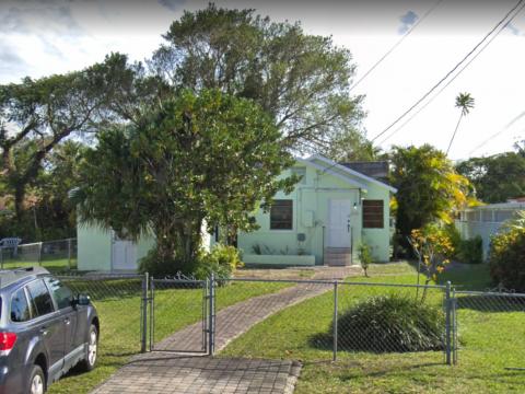 2140 SW 25th St Miami, FL 33133